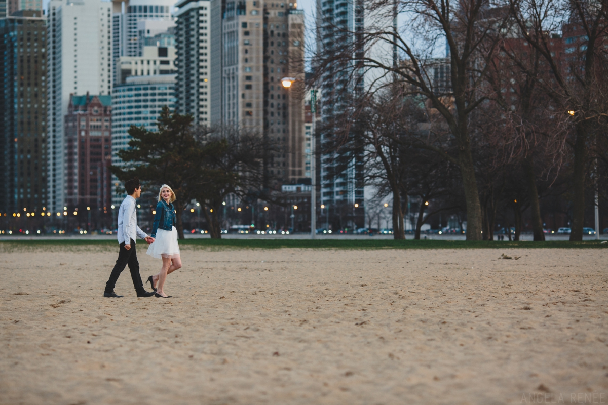 013-Chicago-beach-engagement-session