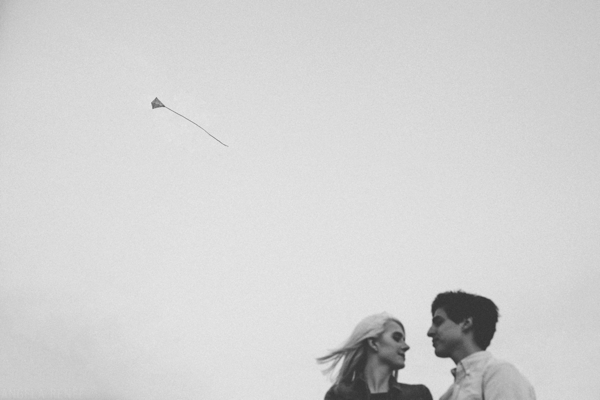 015-Chicago-beach-engagement-session