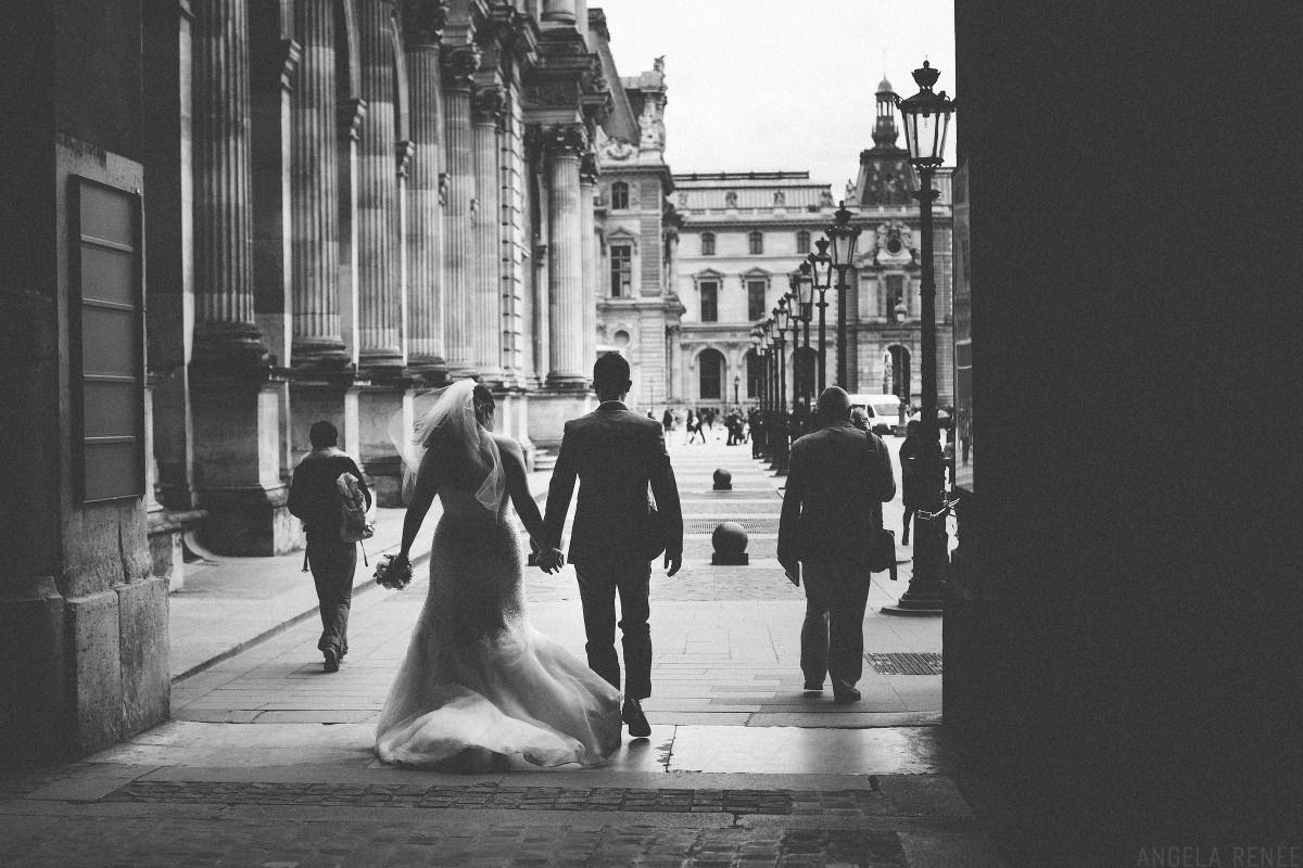 louvre-bride-groom-walking