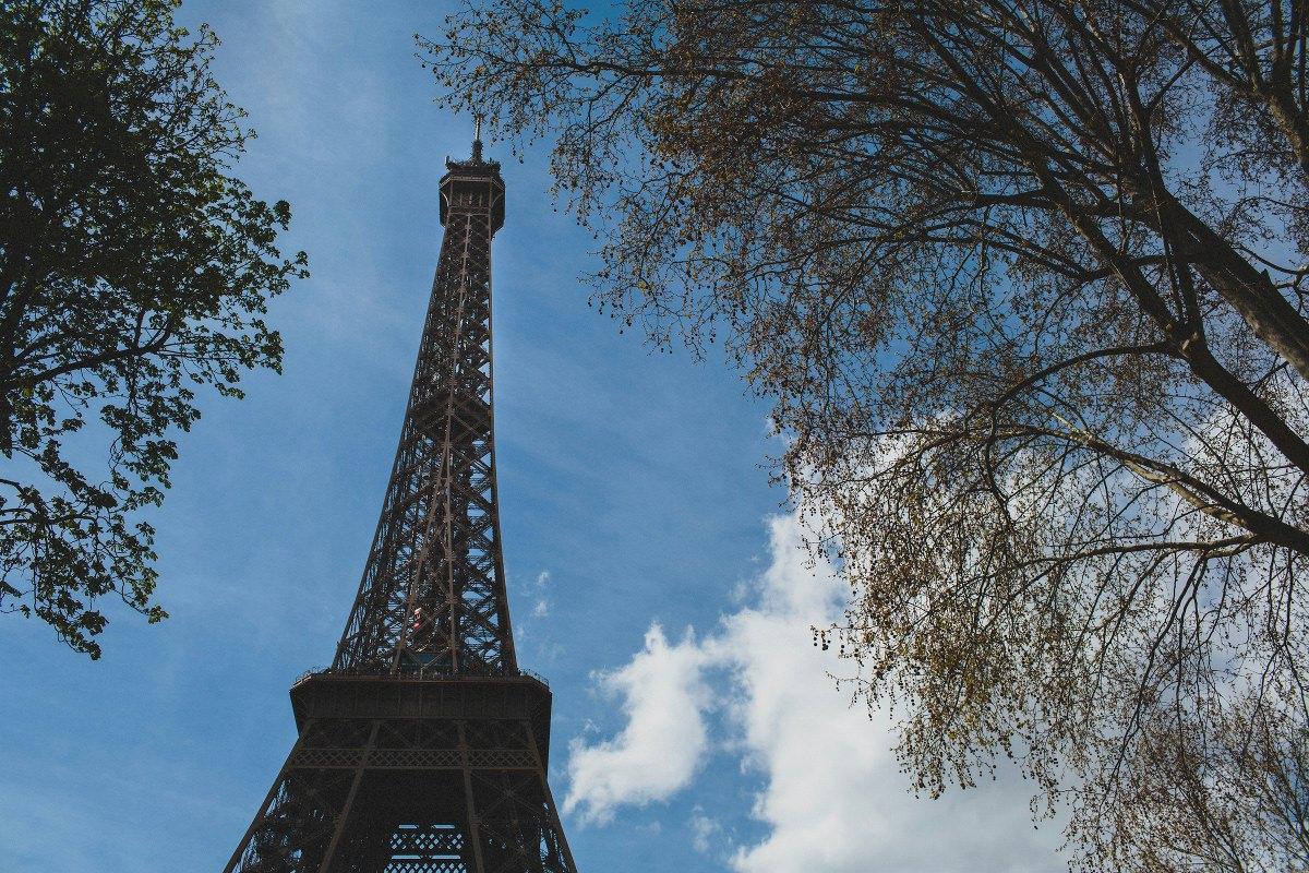 eiffel-tower-wedding