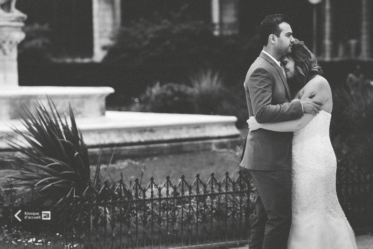paris-black-and-white-wedding-photo