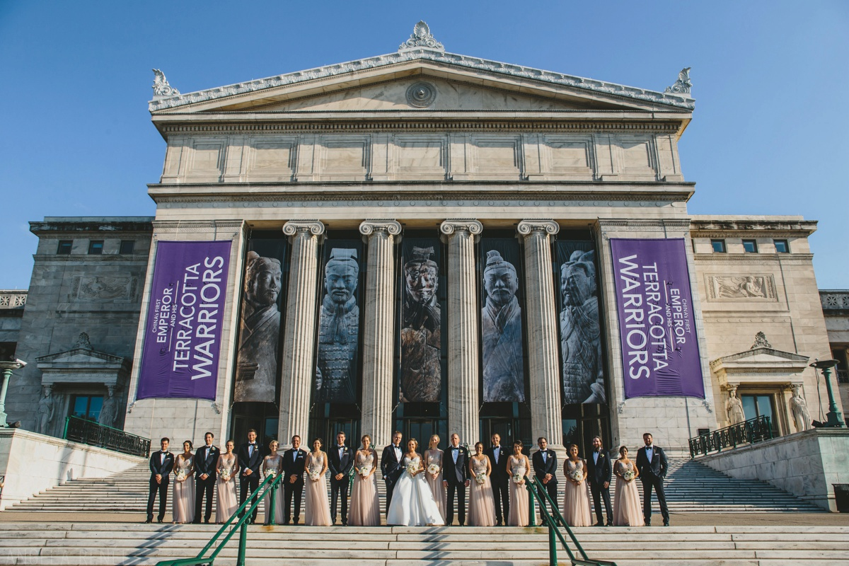 chicago-field-museum-steps-wedding