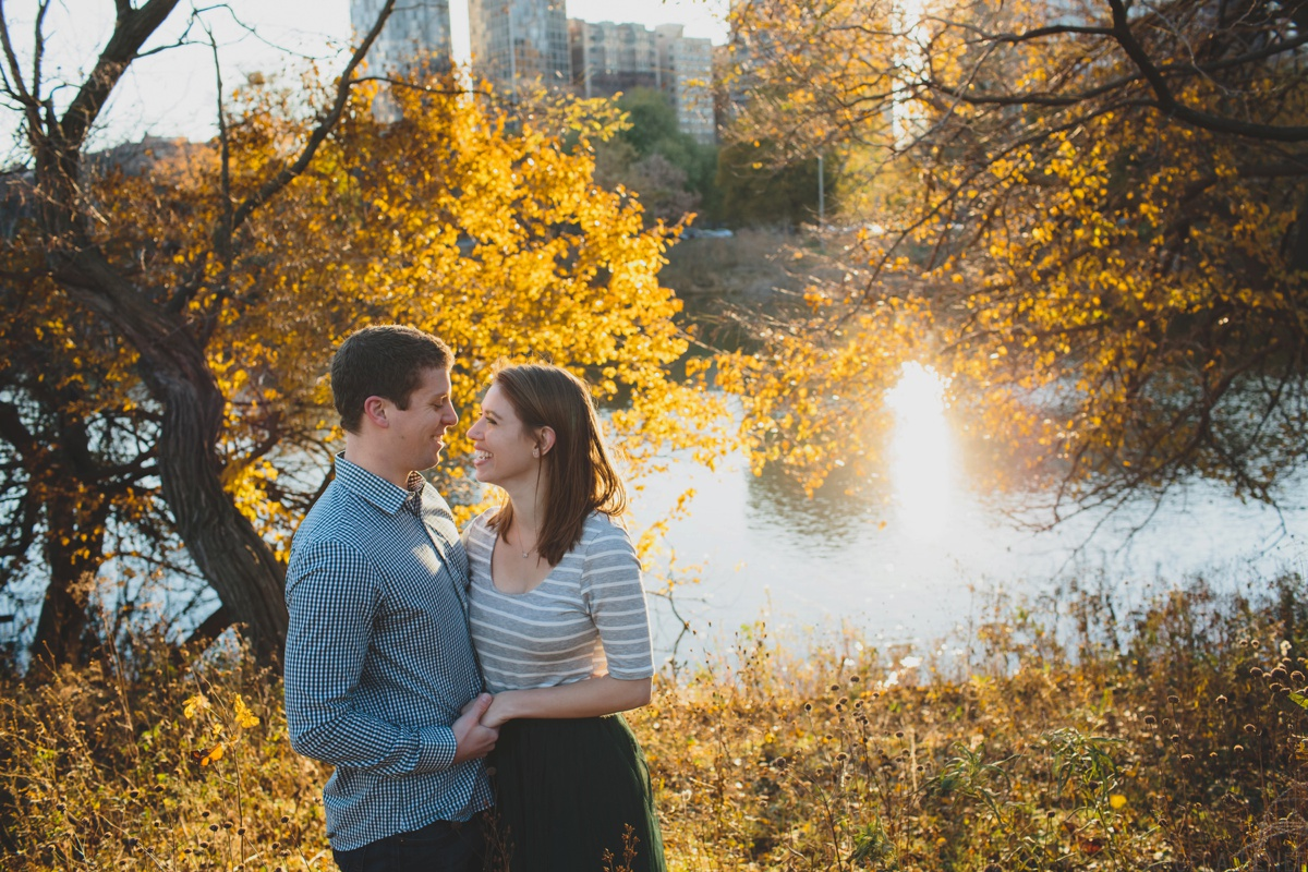 fall-engagement-session-north-pond