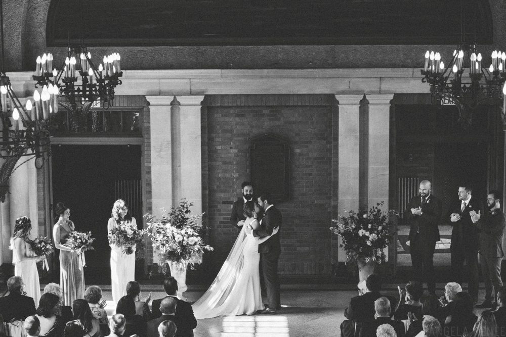chicago-wedding-ceremony-kiss