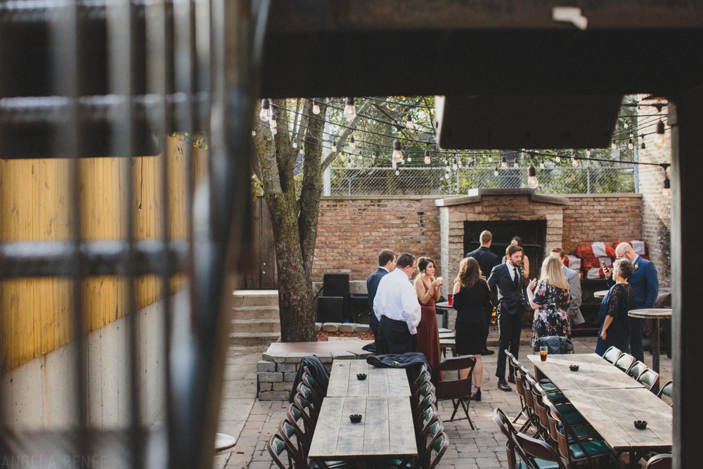 sportsmans-club-chicago-outside-patio